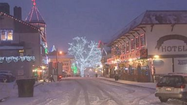 'VIDEO: Leavenworth, Washington, is decked out in colorful lights during this holiday season.' from the web at 'https://s.abcnews.com/images/Lifestyle/171221_abc_social_christmas_village_16x9_384.jpg'