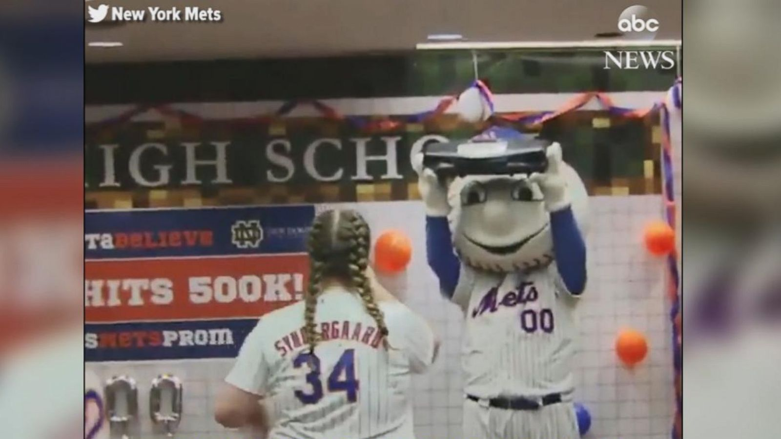b2f0fe35c290 High school teen shocked by a  promposal  from favorite team s mascot - ABC  News