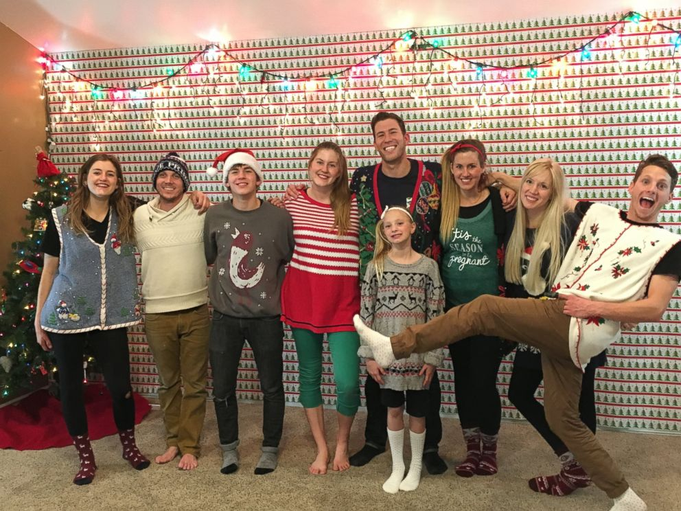 PHOTO: Festive Siblings Sleigh Choreographed Christmas Dance Tradition for 5 Years