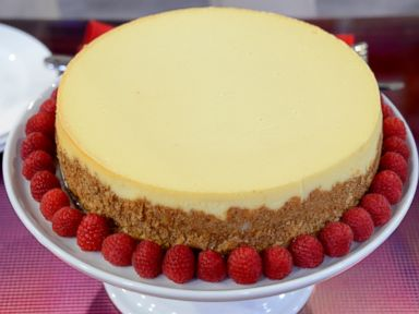 PHOTO:Sara Moultons White Chocolate Raspberry Cheesecake