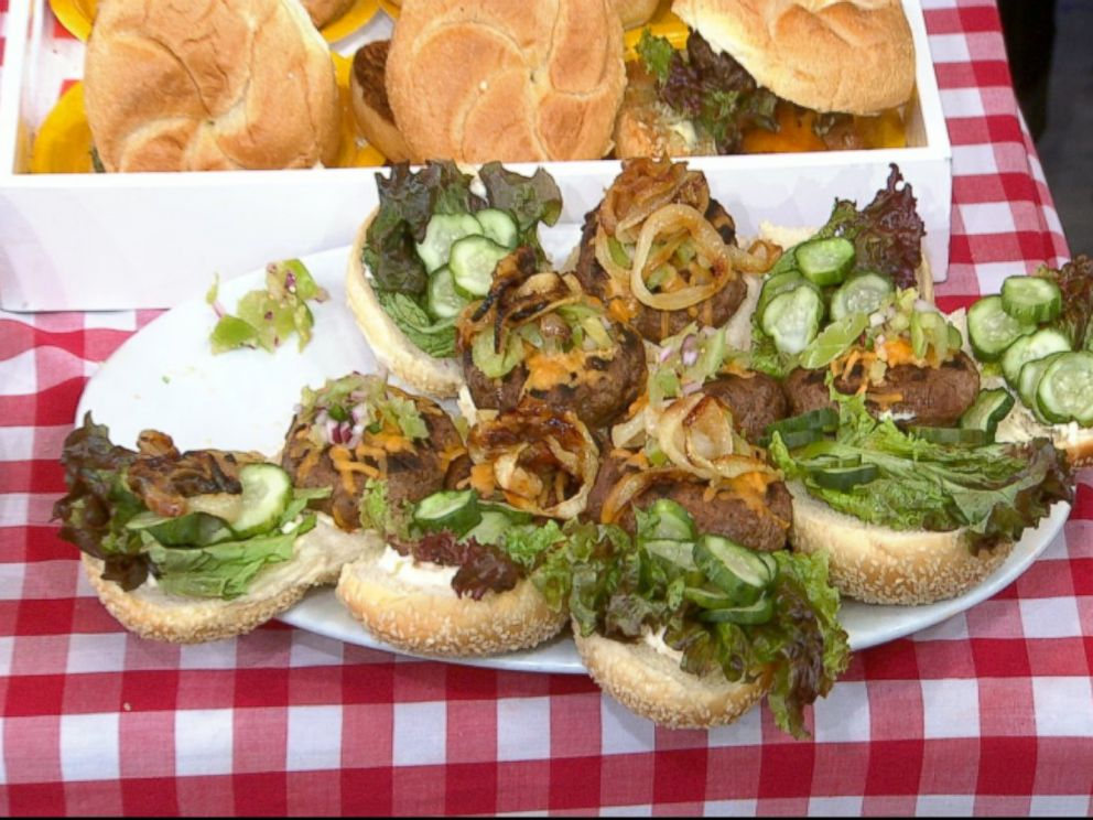 PHOTO: Emeril Lagasses Bacon and Cheese-Stuffed Burgers with Green Peppercorn Mayo