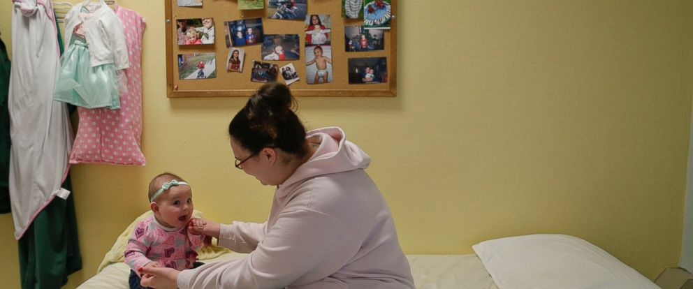 PHOTO: Jennifer Dumas plays with her daughter, Codylynn inside her room at Bedford Hills Correctional Facility, in Bedford Hills, N.Y.