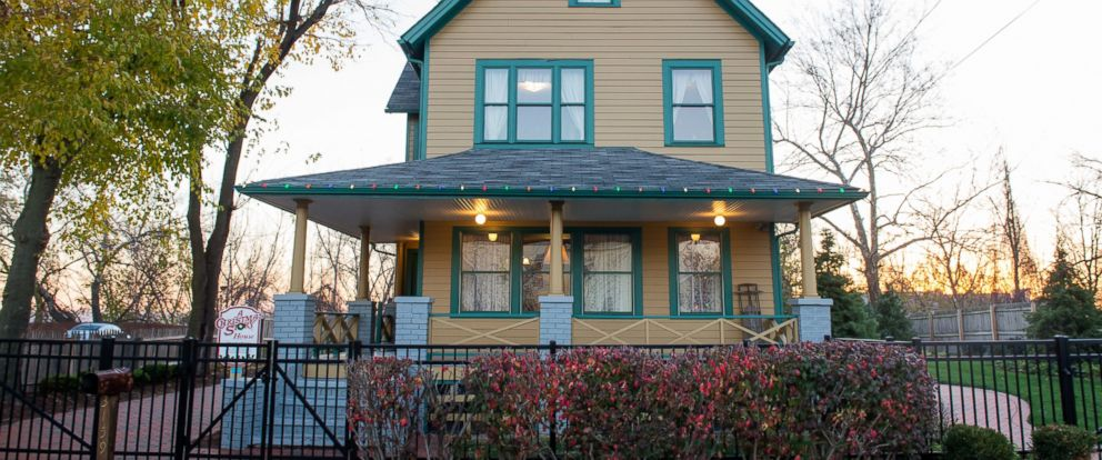 photo the exterior of a christmas story house and museum in cleveland dec