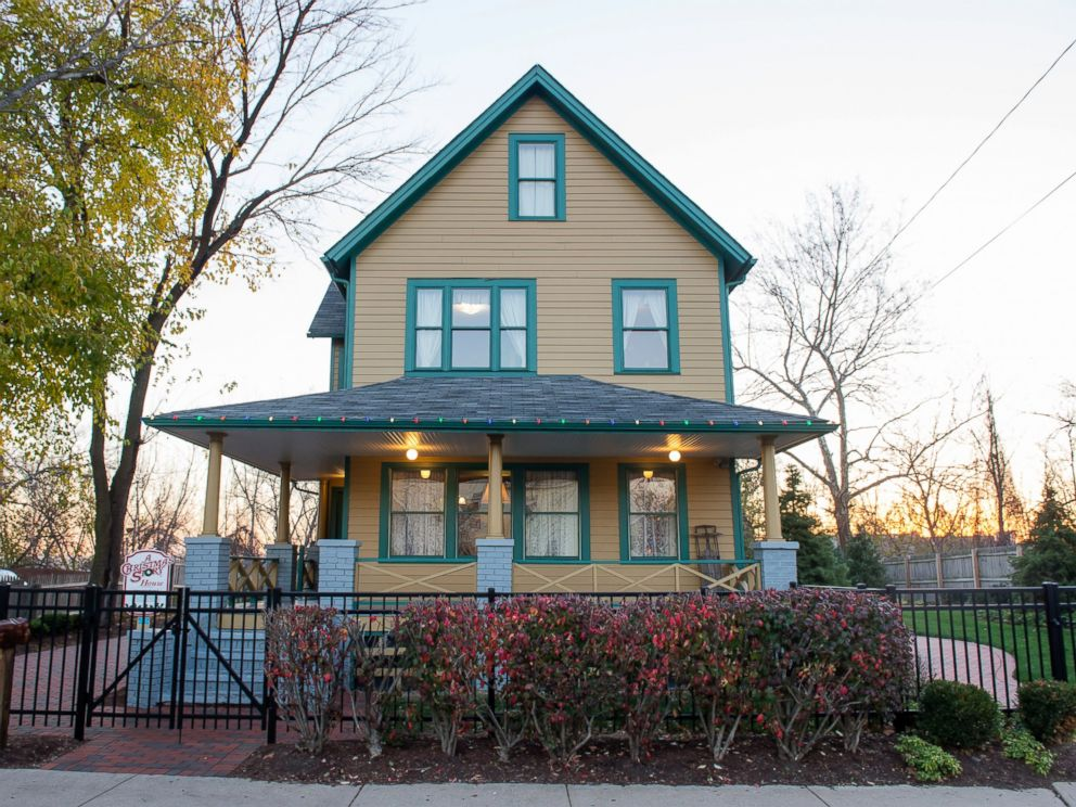 PHOTO: The exterior of A Christmas Story House and Museum in Cleveland, Dec. 2, 2015.