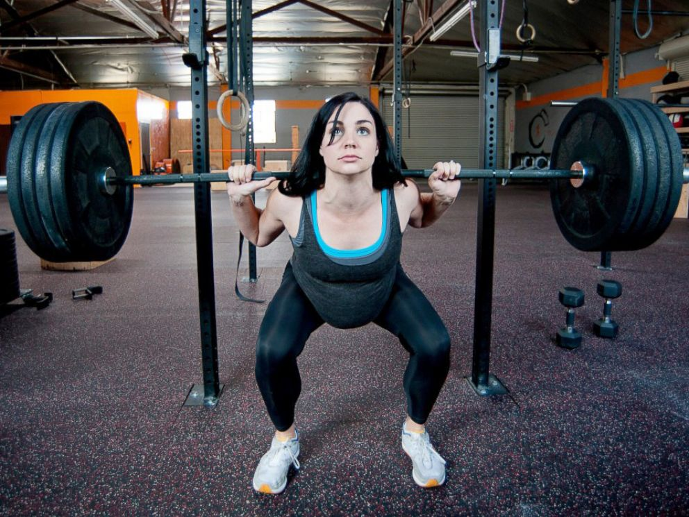 PHOTO: Would you lift weights while pregnant?