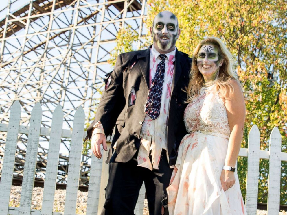 PHOTO: Christina and Michael Pasley of Beecher City, Ill., were married at Fright Fest in 2002 renewed their vows this year.
