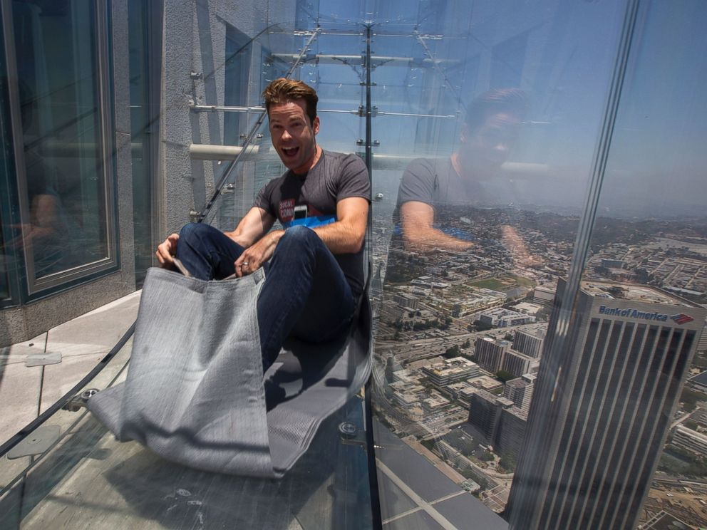 Us Bank Slide >> Introducing Skyslide The Glass Slide 1 000 Feet In The Air Abc News