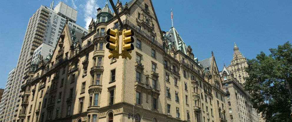 PHOTO: The Dakota Apartments Are Rumored To Be Haunted, According To  NewYork.com