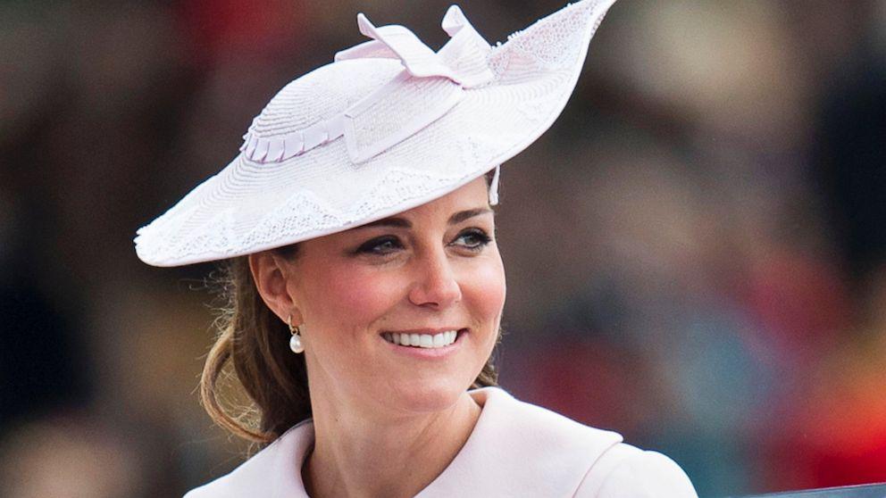 Znalezione obrazy dla zapytania duchess kate hat