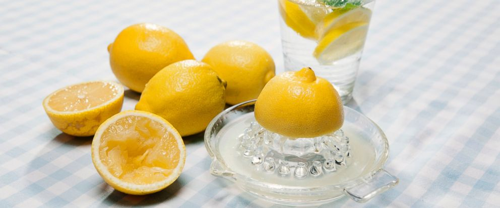 PHOTO: Here are some benefits of using lemon in your water.