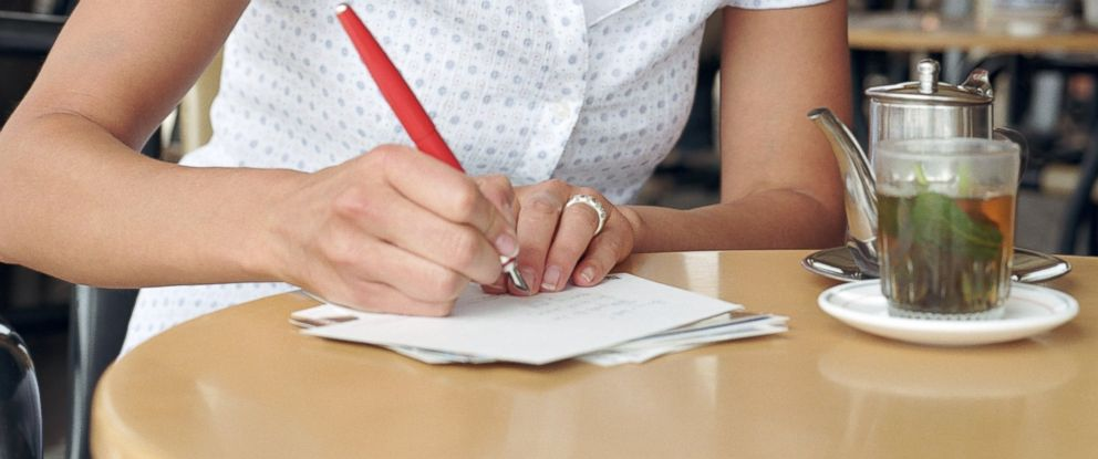 PHOTO: Expert tips on writing a thank-you note. January is national thank you month.