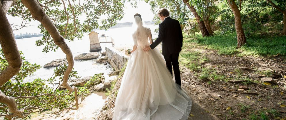 PHOTO: Experts expect more couples to take their nuptials to alternative locales, such as summer camps and lodges in 2015. A bride & groom are seen here in this stock photo.
