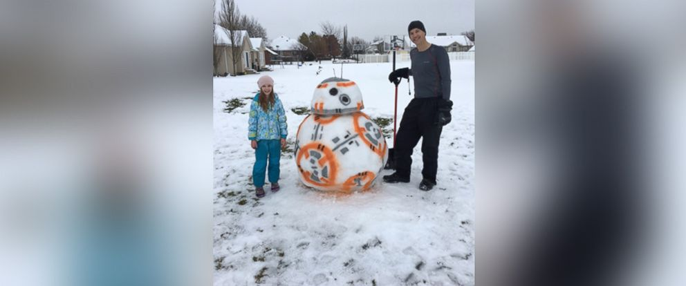 PHOTO: Tony Francis and his daughter built a 4-foot-tall BB-8 snowman in their Highland, Utah, backyard.