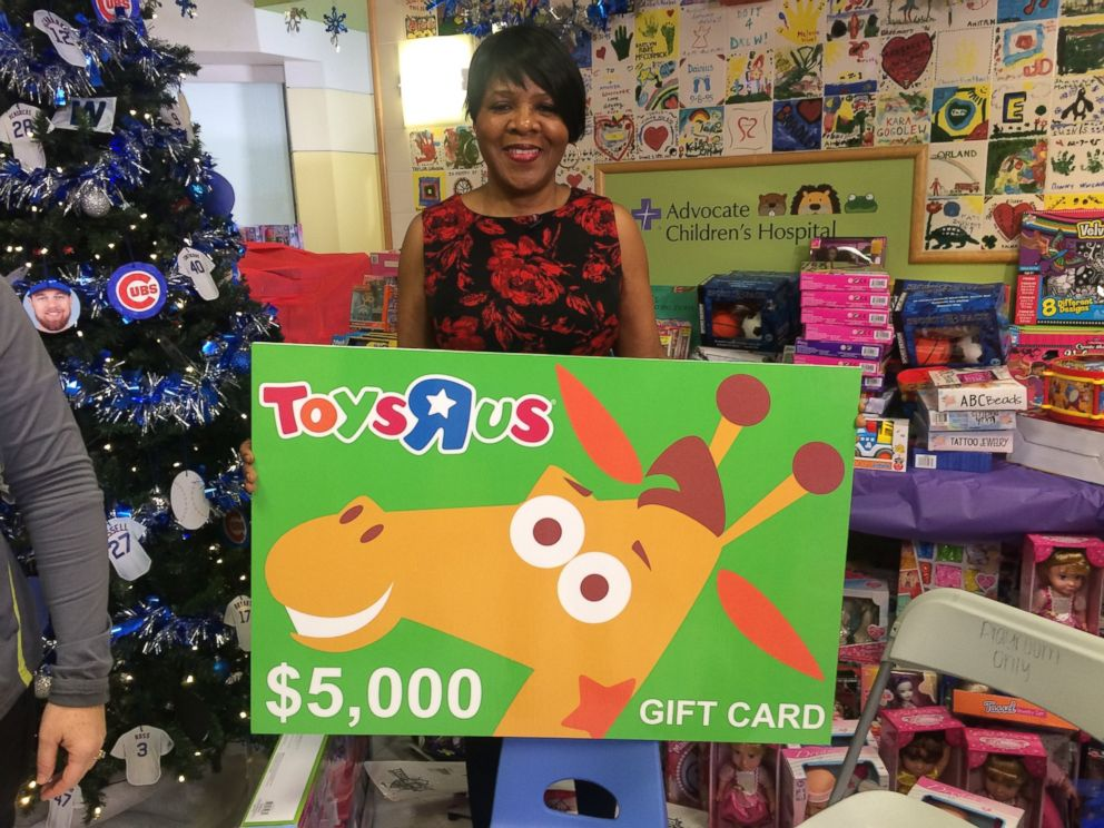 Hospital Cafeteria Worker Saves Thousands of Dollars to Buy Toys for ...