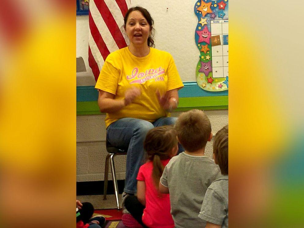 PHOTO: Nancy Bleuer, 54, a preschool teacher of Mason City, Iowa, is donating her kidney to Darreld Petersen, 34 at University of Iowa Hospital on June 1.