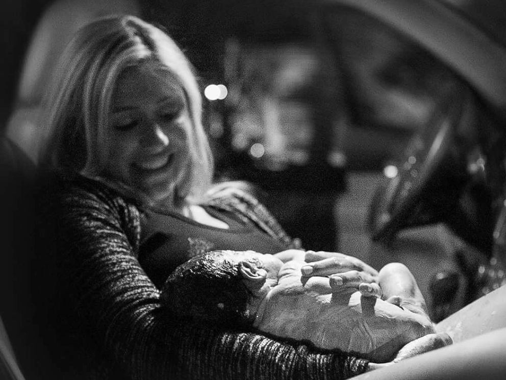 PHOTO: Lauren Strunk, 35, gave birth to her second child in a hospital parking lot with her husband, Noah Strunk, also 35, by her side.