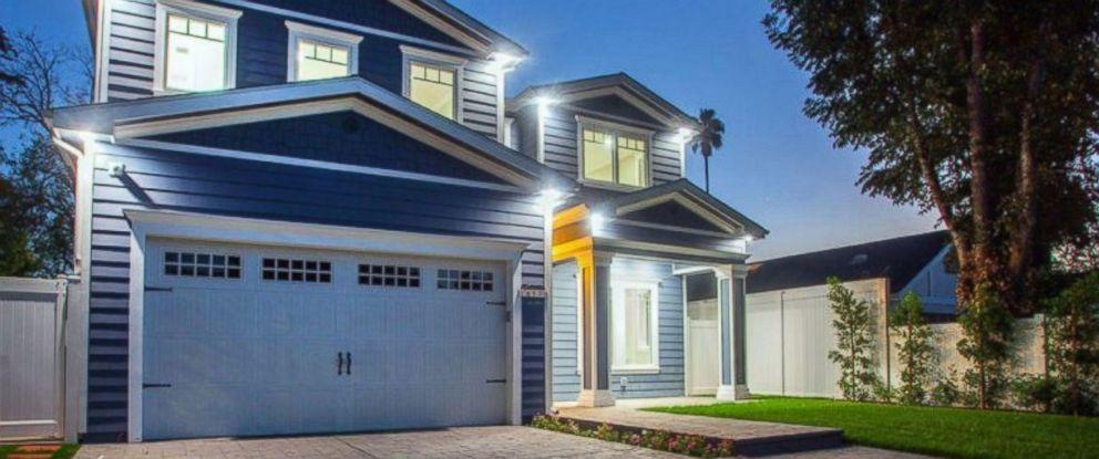 PHOTO: Ne-Yos $1.9 million Sherman Oaks California home. & See inside Ne-Yo\u0027s $1.9 million California home - ABC News