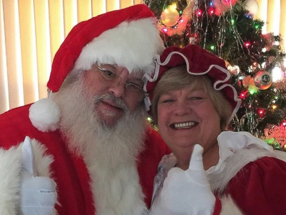 Couple Officially Changes Their Names To Santa And Merry Christmas Claus Abc News