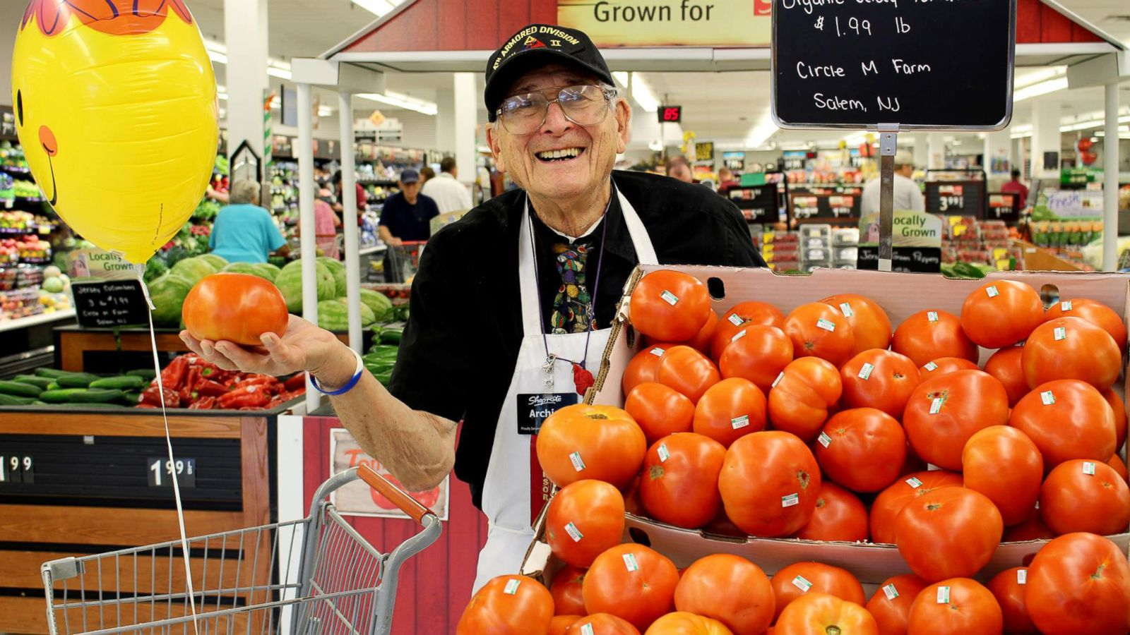 91 Year Old Veteran Greets Customers At Supermarket I Love What I
