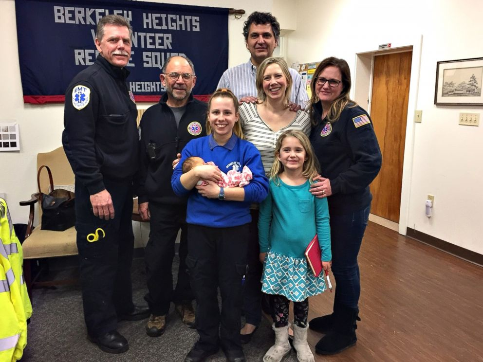 PHOTO: Nicole Segalini, 18, a volunteer EMT, helped deliver Angela Windts baby in New Jersey on March 10, 2017.