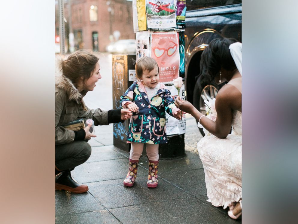 PHOTO: A little girl thought this bride, Shandace Robertson, was the real-life princess from the cover of her favorite book.