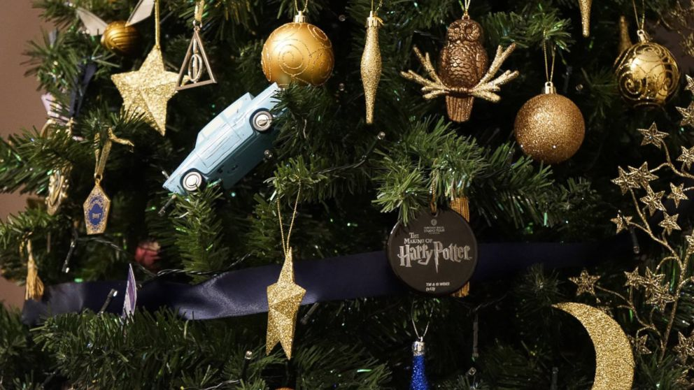 British Woman Creates Harry Potter Themed Christmas Tree