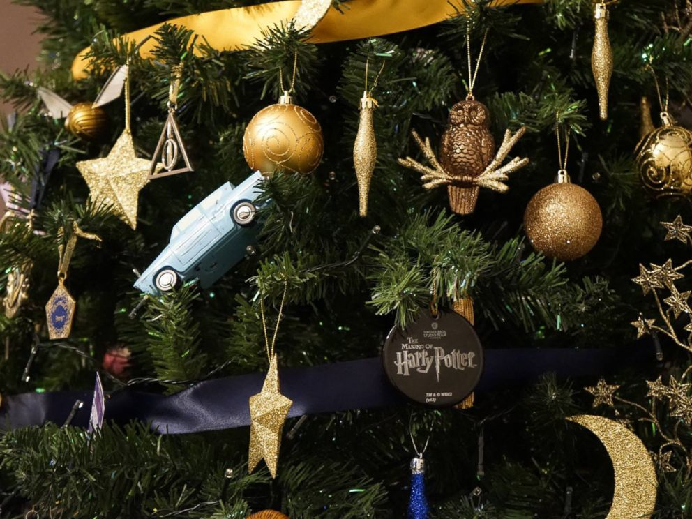 Christmas Harry Potter.British Woman Creates Harry Potter Themed Christmas Tree Abc News