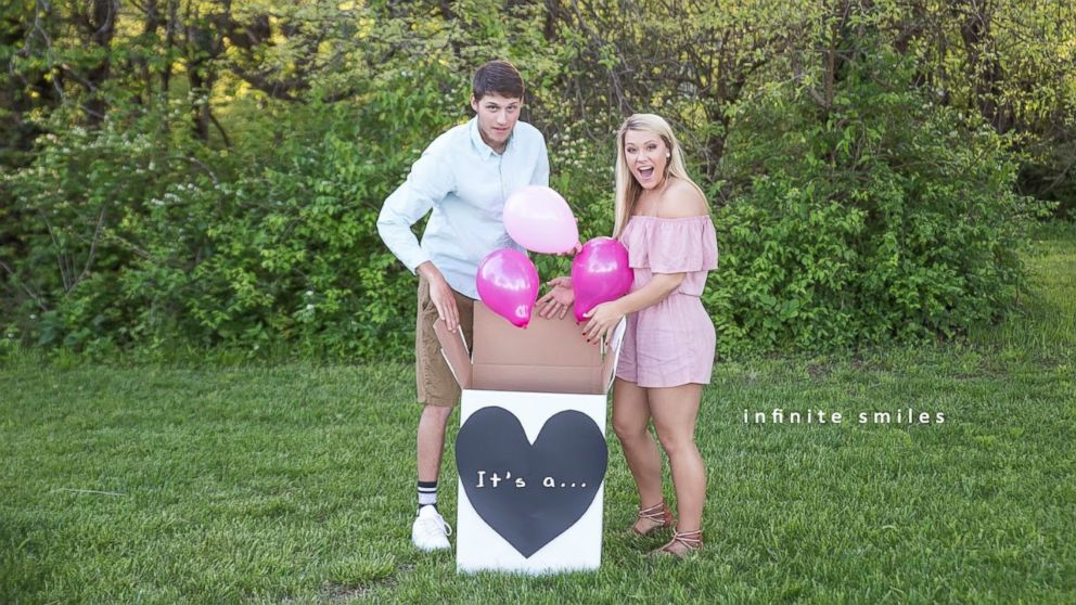 Kennedy Sartwell and Jake Terry announced their new puppy with a paw-dorable sex reveal photo shoot.