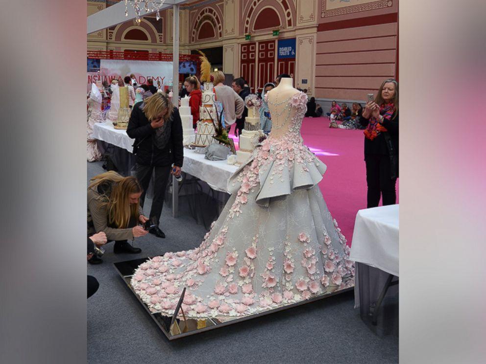 Life-size wedding dress cake dazzles at cake show - ABC News