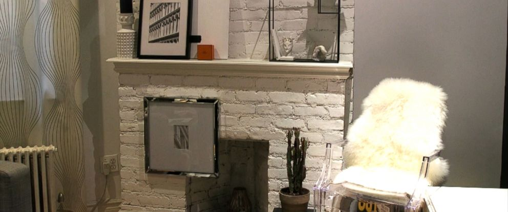 PHOTO: Furnishing your Fireplace