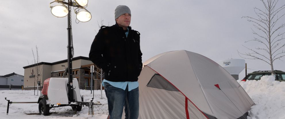 PHOTO: Eric Jungels, 31, of Fargo, North Dakota is helping to end homelessness by braving the winter cold.