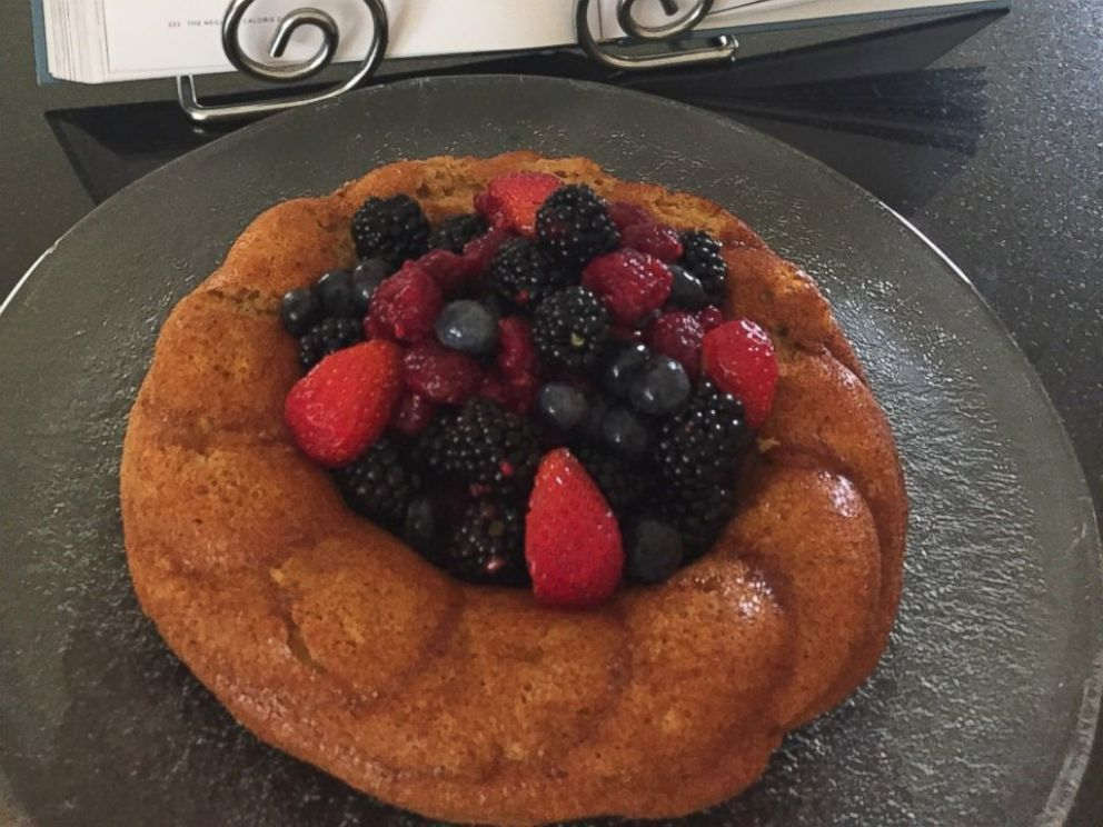 PHOTO: Chef Rocco DiSpiritos instant almond cake with mixed berries, from the book The Negative Calorie Diet.