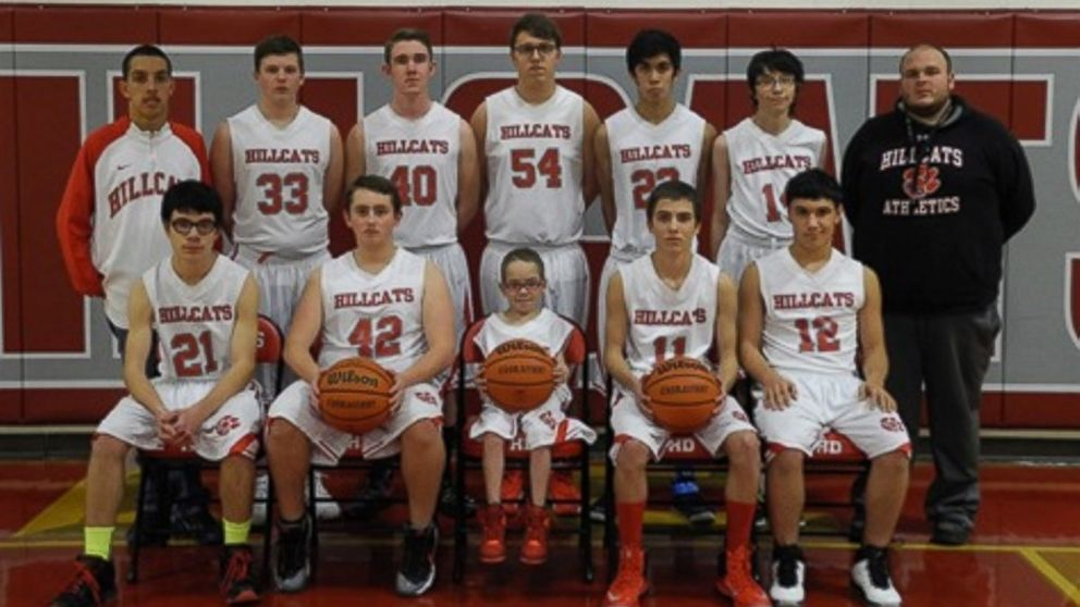 High School Basketball Team Welcomes 3 Foot 5 Inch Player Abc News
