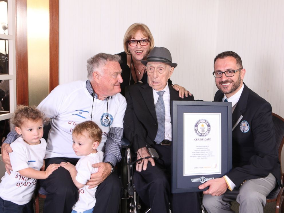 PHOTO: Kristal photographed with his daughter, Shula Kuperstach, his great grandchildren and Marco Frigatti, head of records.
