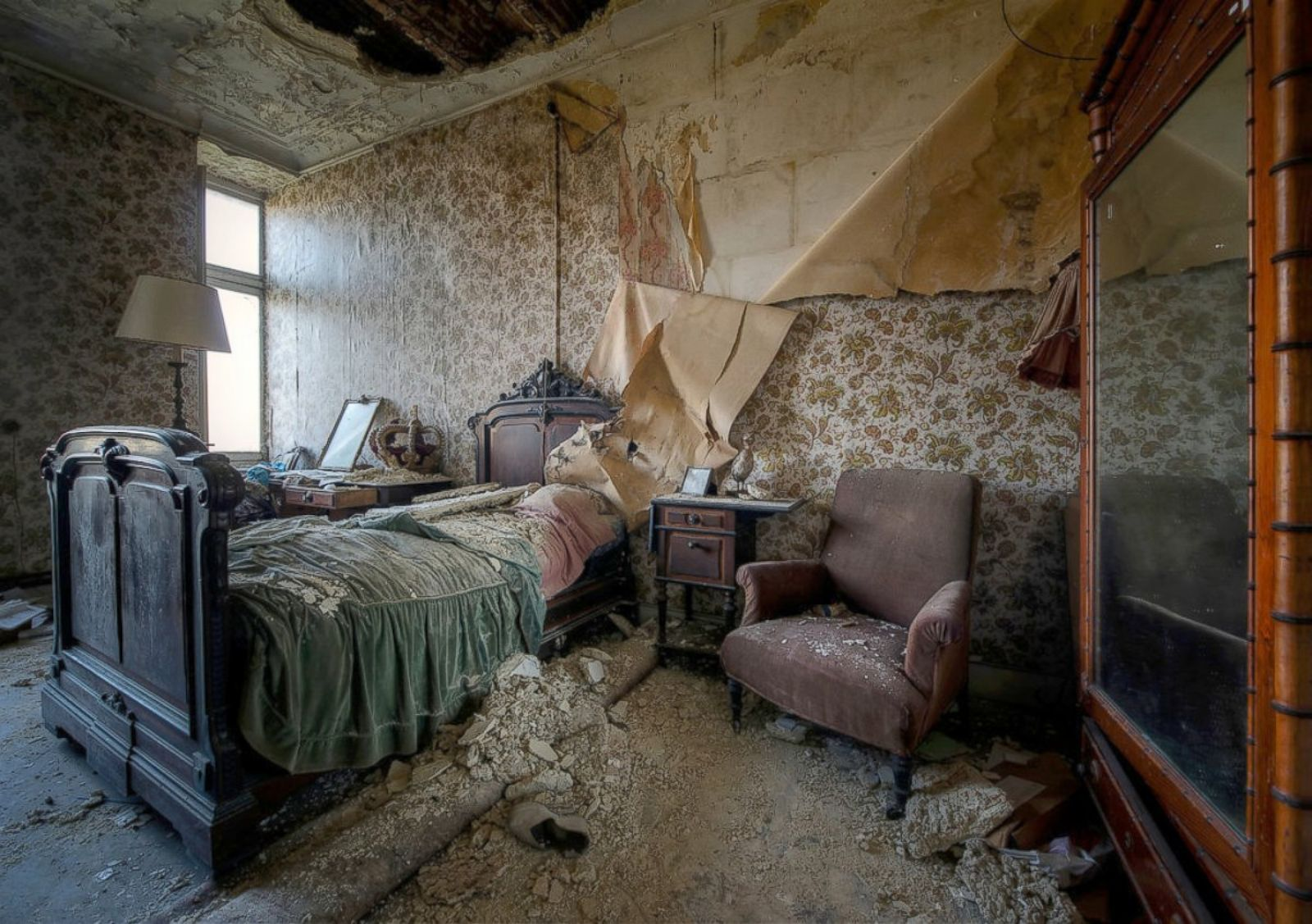 Images of These Abandoned Places Will Give You Chills Photos
