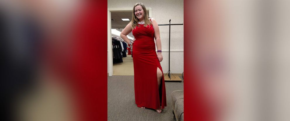 Kansas Mom Pens Viral Letter To Saleswoman Who She Says Body Shamed
