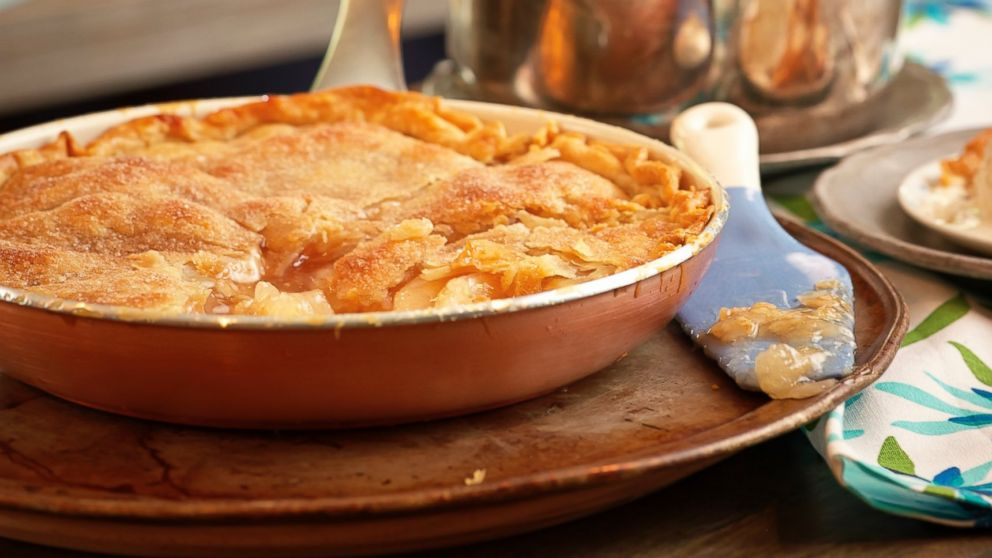 Mrs. Carter's Skillet Apple Pie Recipe | Trisha Yearwood | Recipe - ABC News