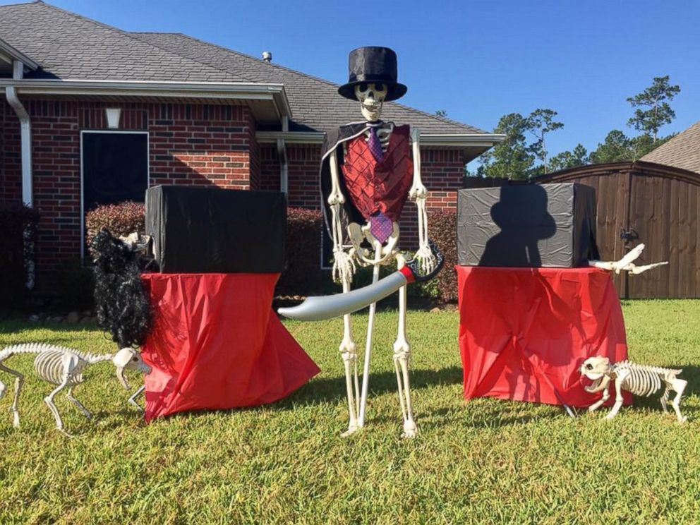Halloween Skeleton Decorations.Family Puts Hilarious Spin On Halloween Decorations Abc News