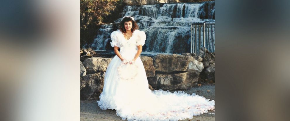 photo tess heidelberger of mauldin south carolina turned her 1980s wedding dress - Christmas Tree Dress