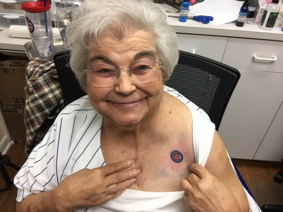 82 year old cubs fan gets team tattoo with daughter and grandson abc news. Black Bedroom Furniture Sets. Home Design Ideas