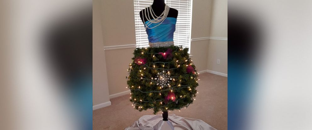Bon PHOTO: Markena Jones Dressed Up Her Christmas Tree In One Of 2015s Hottest  Trends,