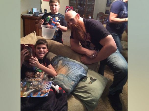 PHOTO:Colby Tutt, 13, of Cleburne, Texas received a surprise visit from WWE wrestler Erick Rowan on March 30.