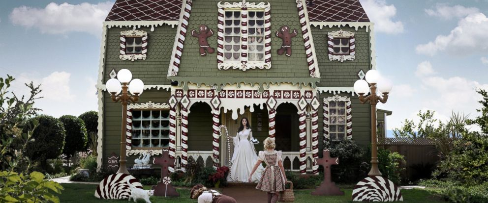 """PHOTO: Christine McConnell decorated her parents Highland, California, home to look like a gingerbread house from the story of """"Hansel and Gretel."""""""
