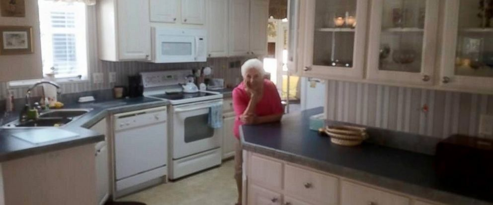 PHOTO: A Florida grandmother posed in photographs of her for-sale home.