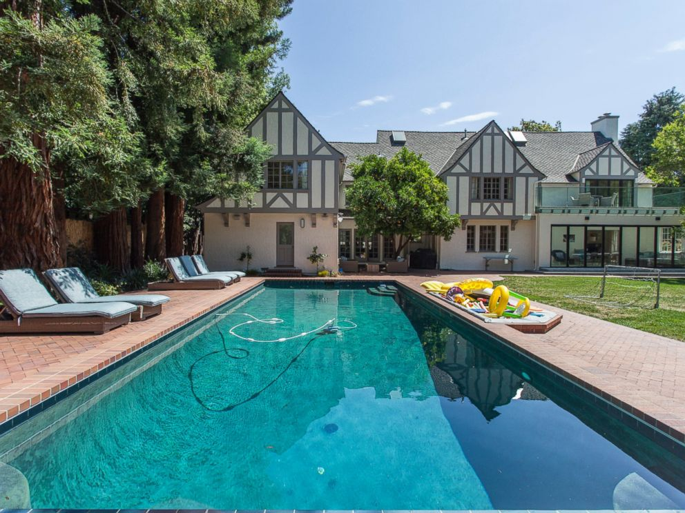 PHOTO: This English Tudor house in Palo Alto, California is $3,000 per night for 10 guests.
