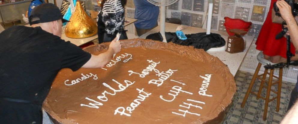 PHOTO: The Candy Factory in Los Angeles created a 441-pound peanut butter cup.
