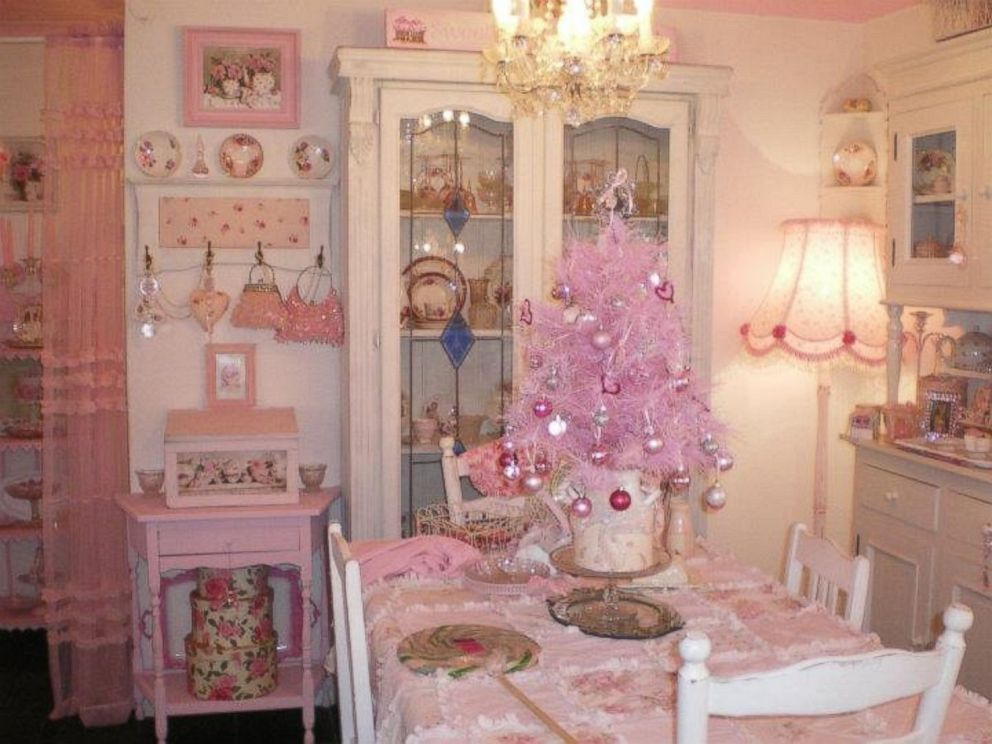 Australian Woman Decorates Home Entirely in Pink - ABC News