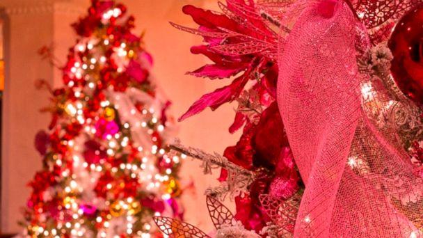 PHOTO: Pink Christmas