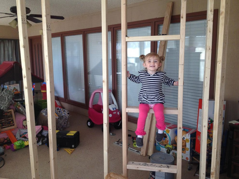 Super Dad Builds Amazing Indoor Playhouse With Rope Bridge - ABC News