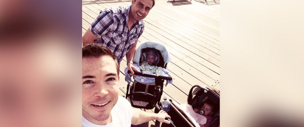 PHOTO: These two dads have a daddy day care with their babies every Friday.